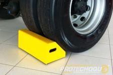 Calço para pneus de caminhão